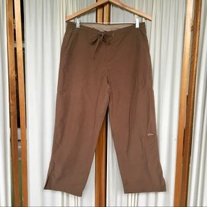Columbia capri-length hiking pants size M